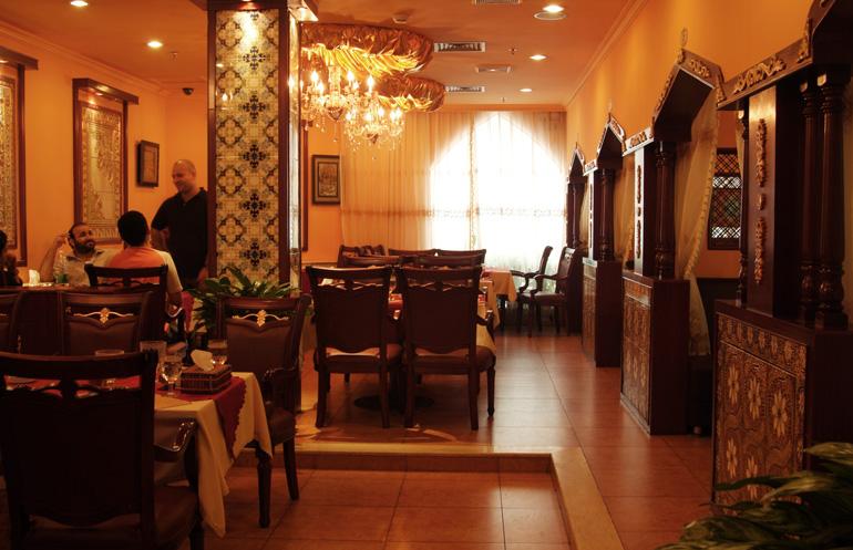 白云宾馆苏丹土耳其餐厅冷库安装现场